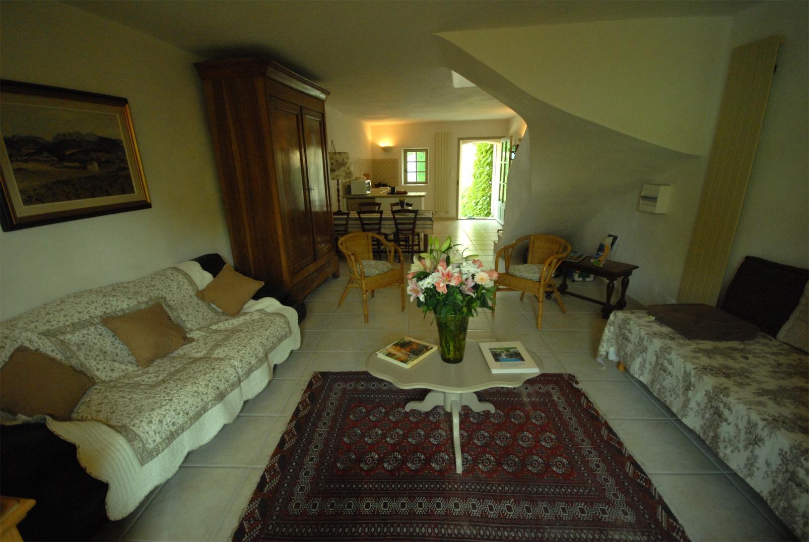 les petites sources photo et am nagement photos maison d 39 hotes de charme aix en provence. Black Bedroom Furniture Sets. Home Design Ideas